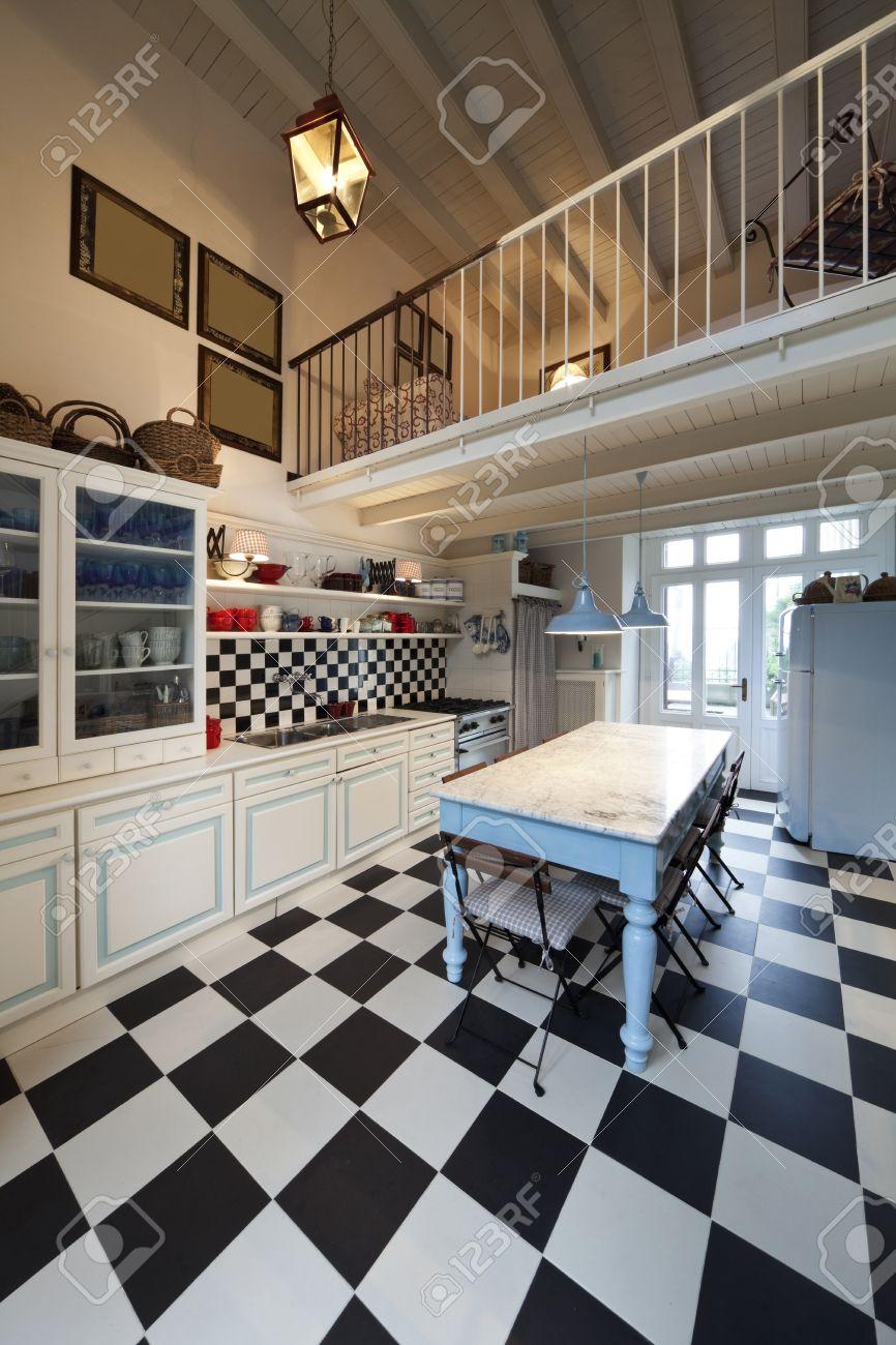 Schachbrettboden, Küche Interieur Lizenzfreie Fotos, Bilder Und ...