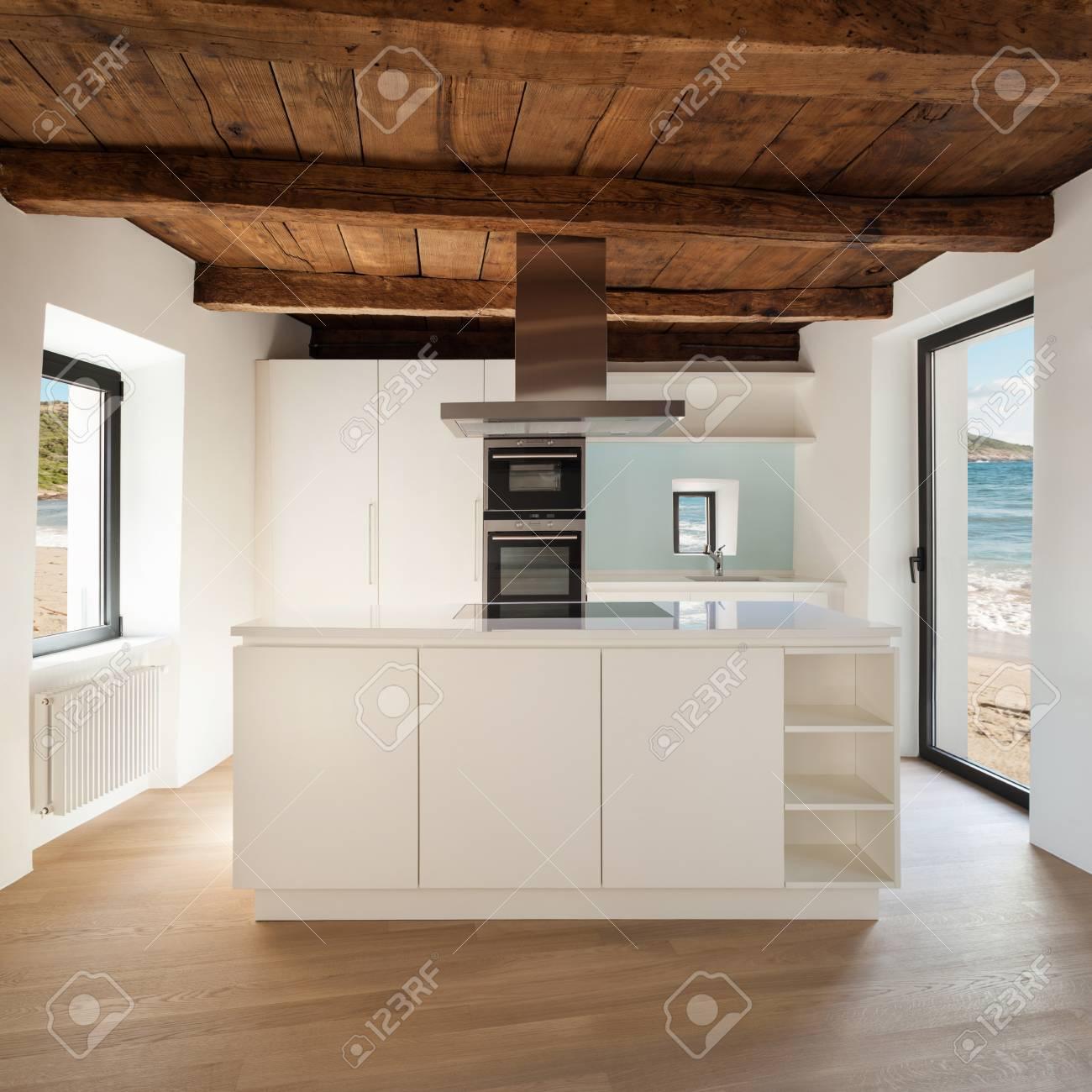 Precioso loft, ver la cocina doméstica, muebles modernos