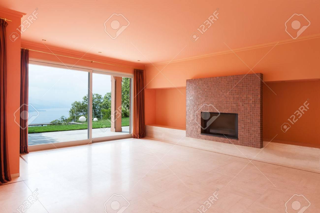 Interior, Luxus Villa, Große Wohnzimmer Mit Kamin Standard Bild   35408800