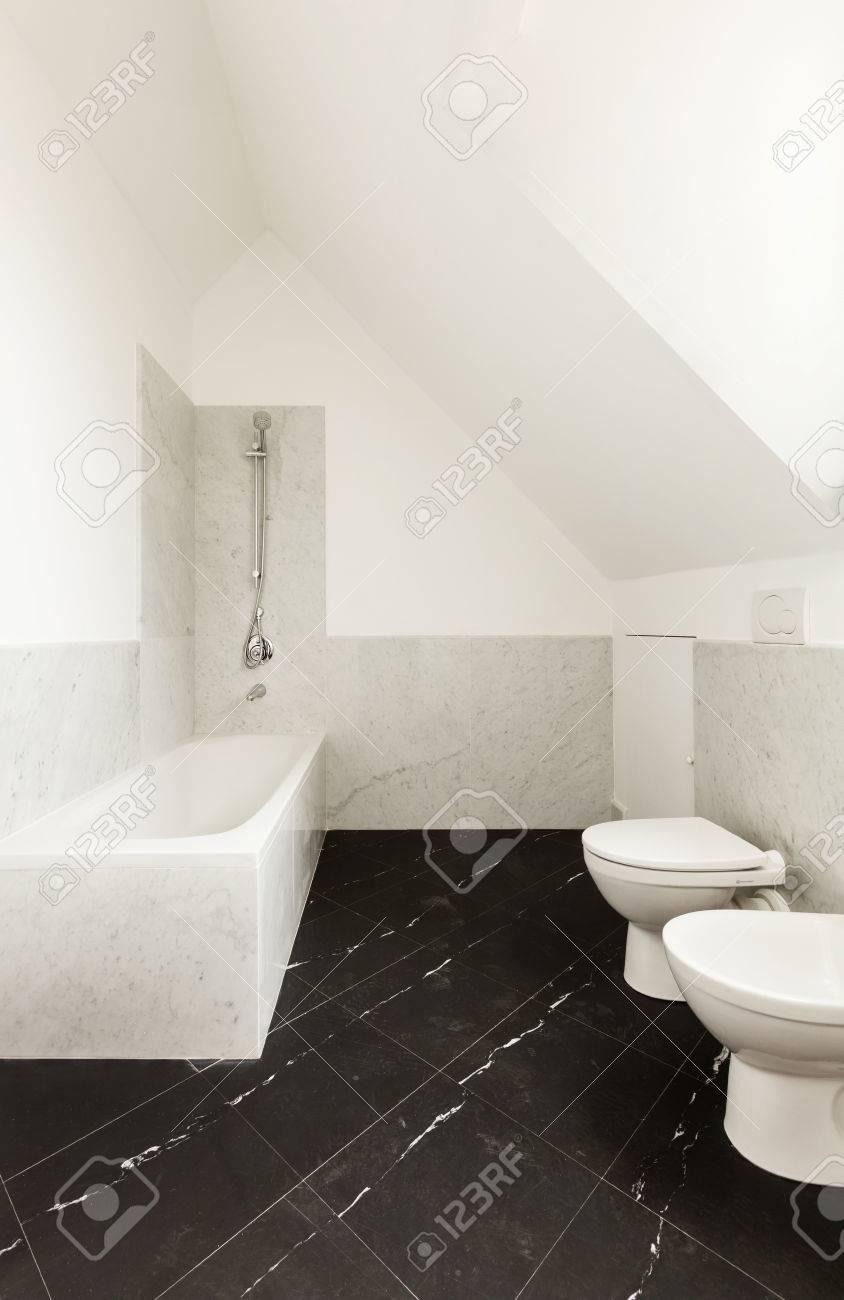 banque dimages intrieur salle de bains avec sol en marbre noir