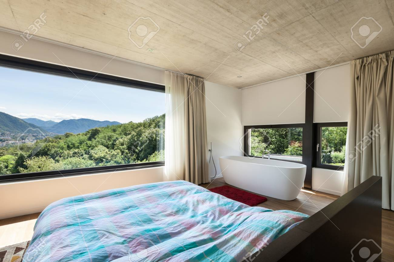 Moderne Villa, Inneneinrichtung, Schlafzimmer Mit Badewanne ...