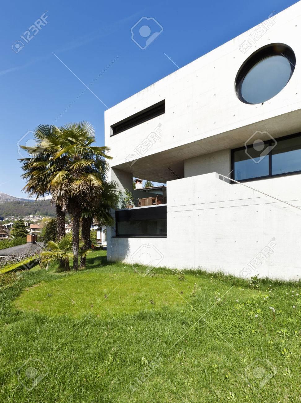 Belle Maison Moderne Dans Le Ciment, Extérieure, Façade Banque D ...