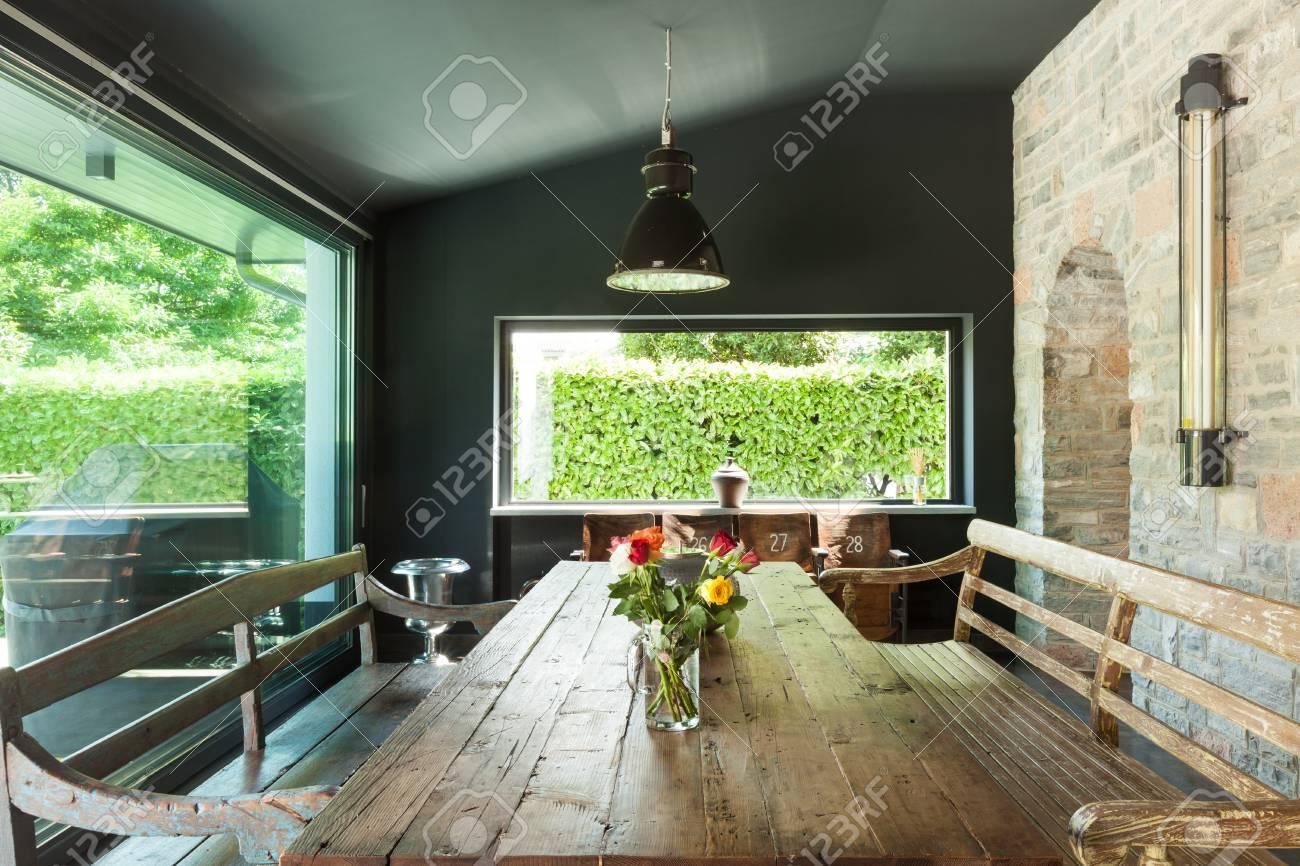 Interieur, Modernes Haus, Esszimmer. Rustikale Möbel Lizenzfreie ...