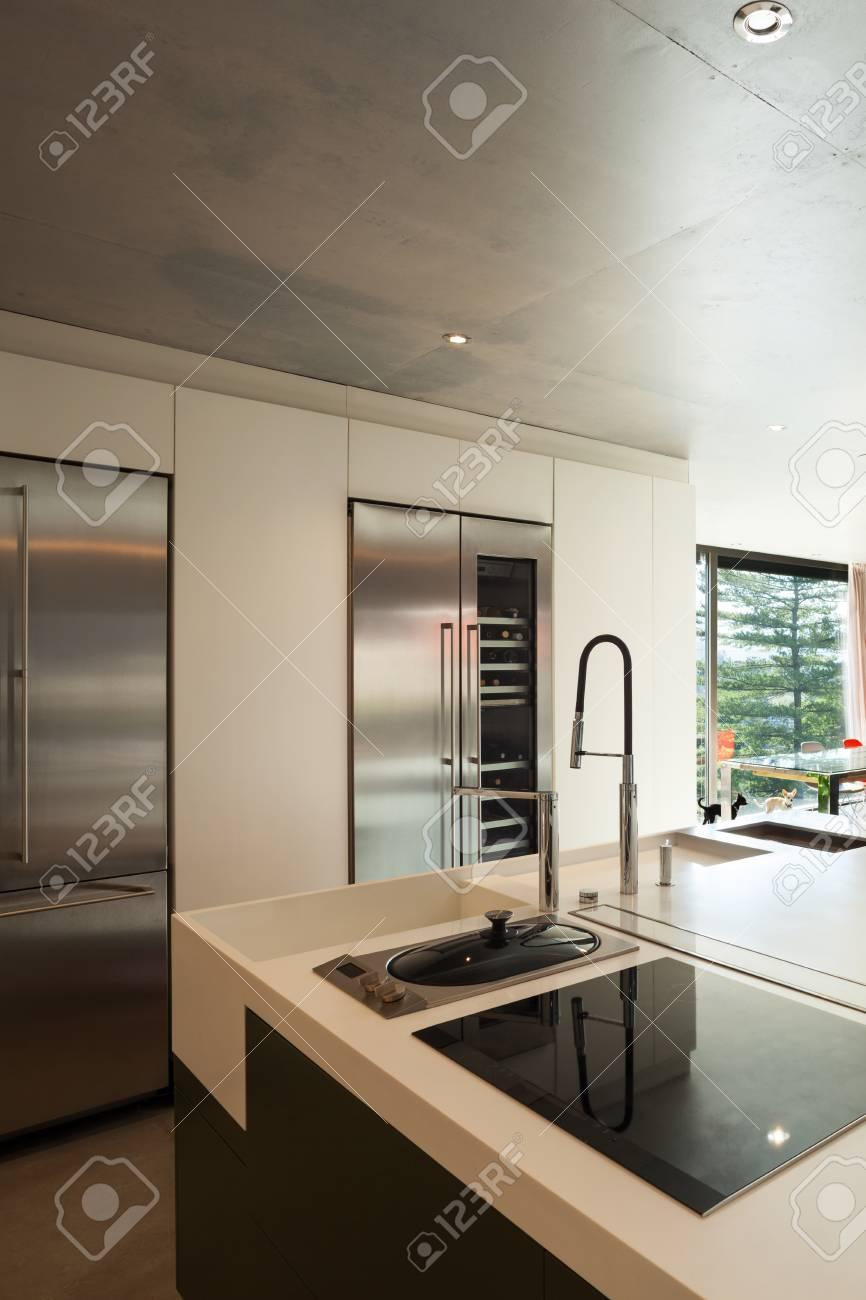 Modernes Haus, Interieur, Heimischen Küche Lizenzfreie Fotos, Bilder ...