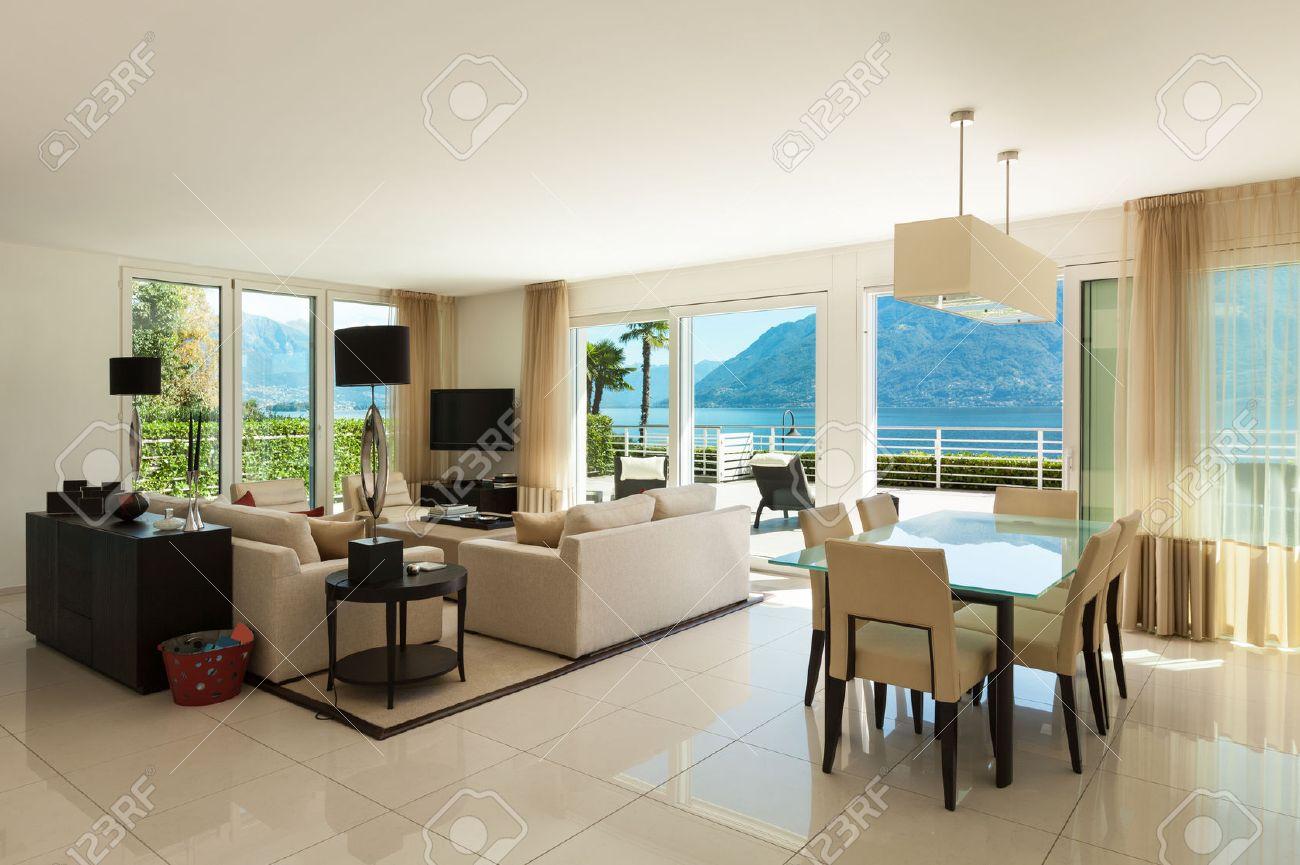 Extrem Innere Des Modernen Wohnung, Großes Wohnzimmer Lizenzfreie Fotos RP25