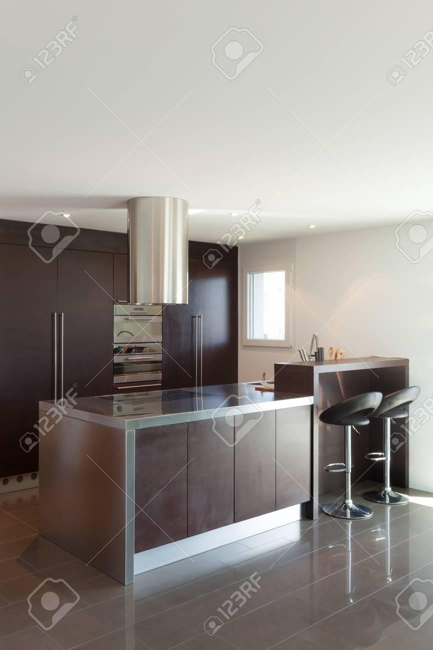 Architektur, Schöne Wohnung Möbliert, Moderne Küche Lizenzfreie ...