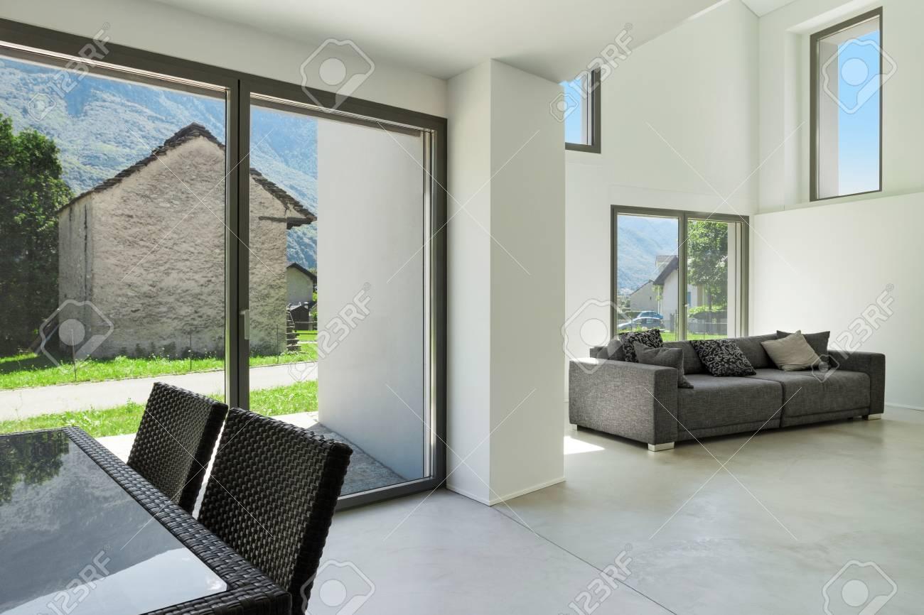 Architettura, Interni Casa Moderna, Ampio Soggiorno Foto Royalty ...