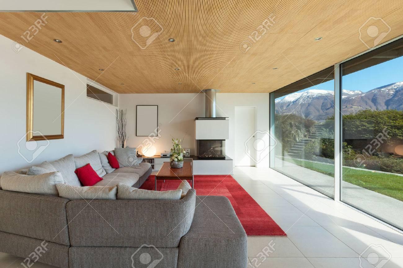 mountain house interior, living room Standard-Bild - 44127176