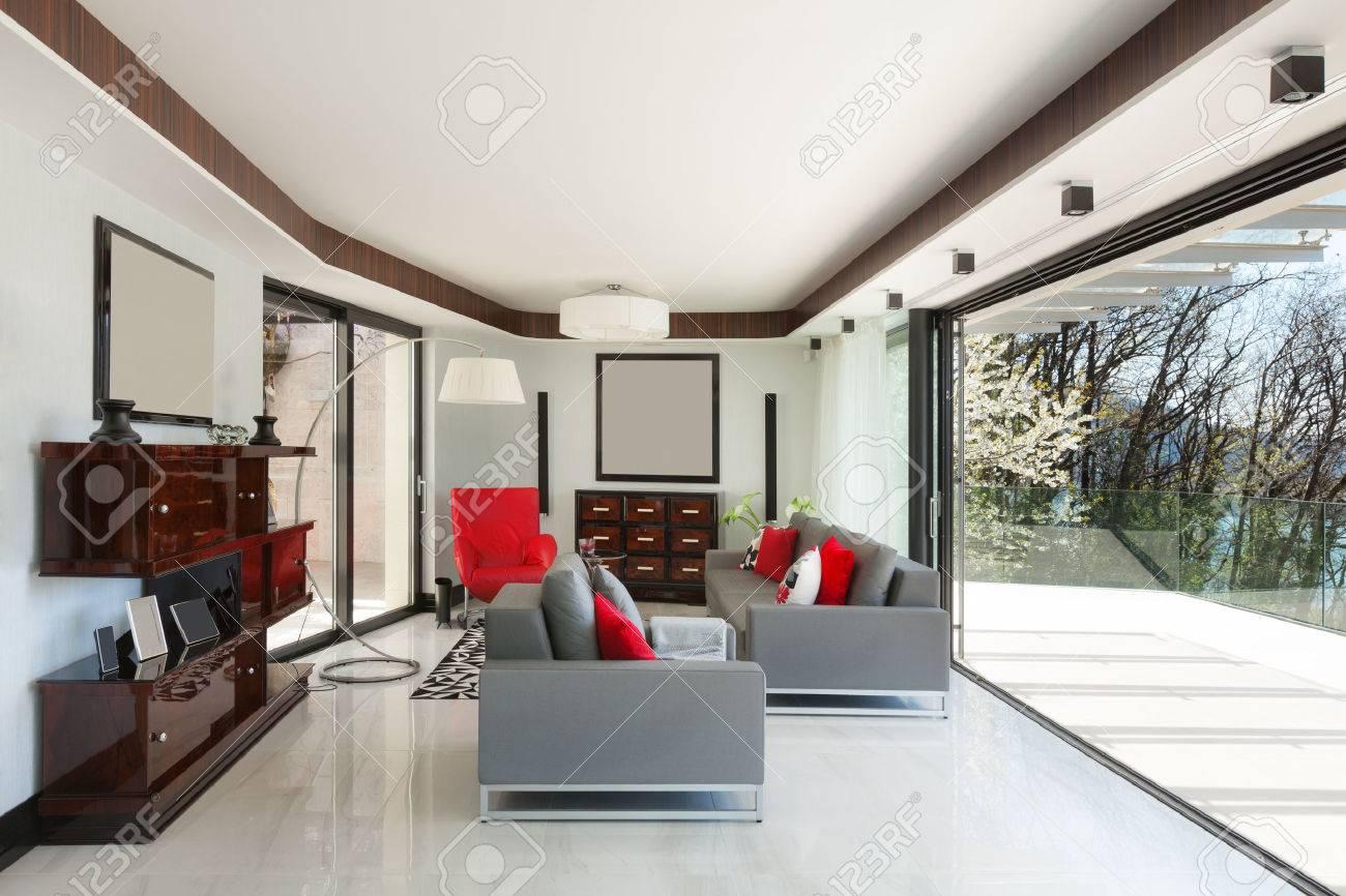 Modernes Haus Schönes Wohnzimmer, Designmöbel Lizenzfreie Fotos ...