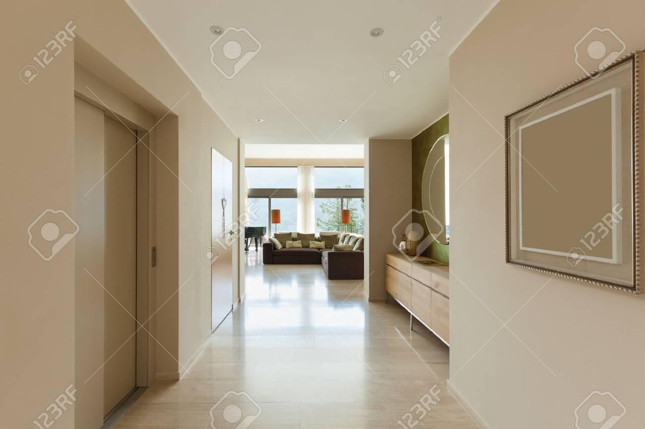 Intérieur D\'appartement Moderne, Salon Vue De Couloir Banque D ...