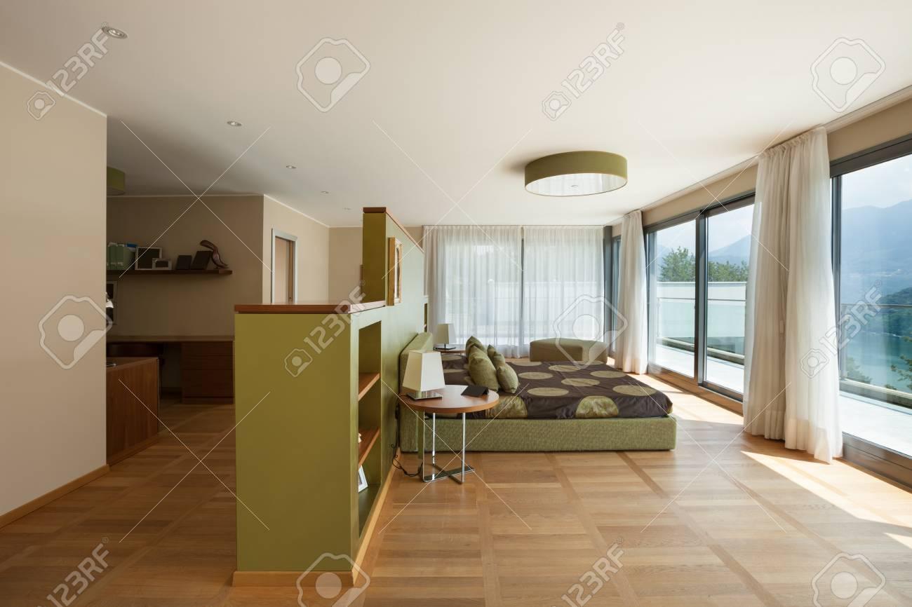 Intérieur De L\'appartement Meublé Moderne, Confortable Chambre à ...