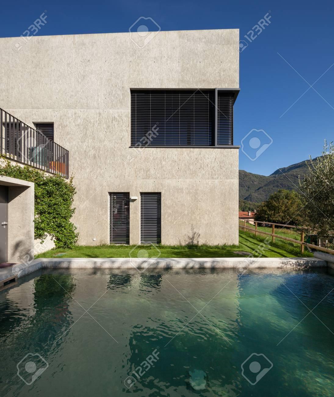 Maison Moderne, En Béton Carré Minimaliste Banque D\'Images Et Photos ...