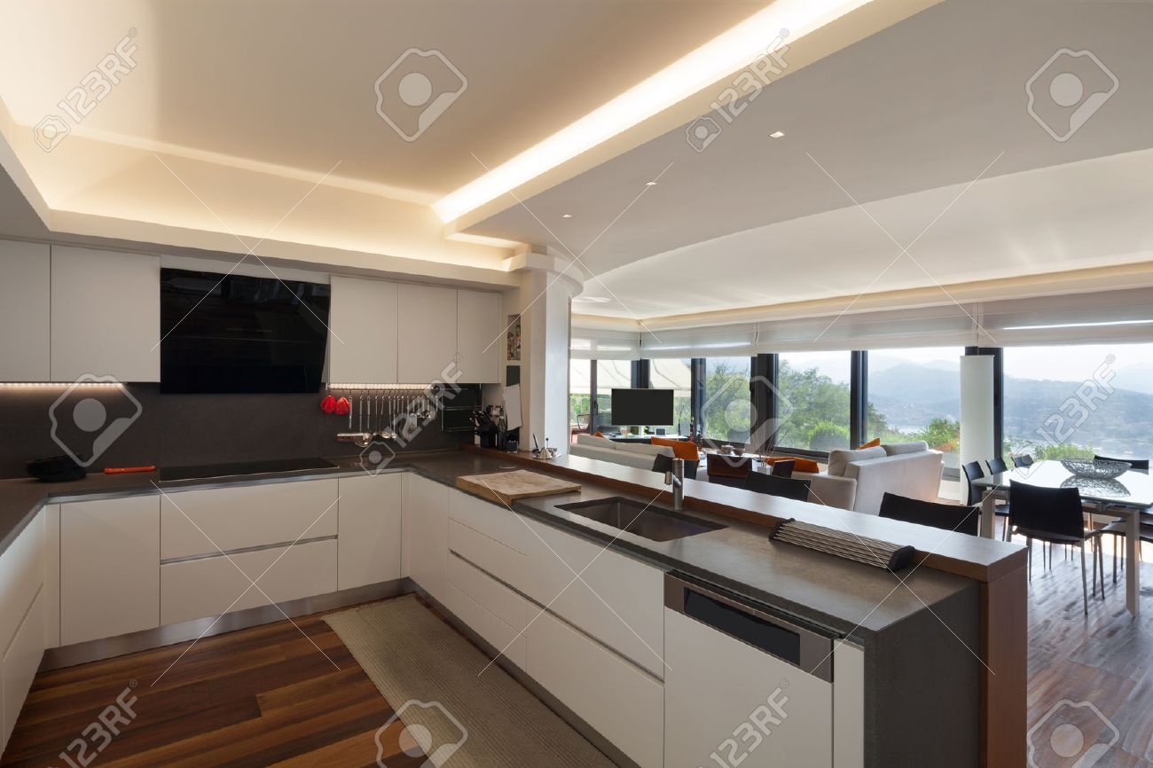 Interieur, Schöne, Moderne Küche Einer Luxuriösen Wohnung ...