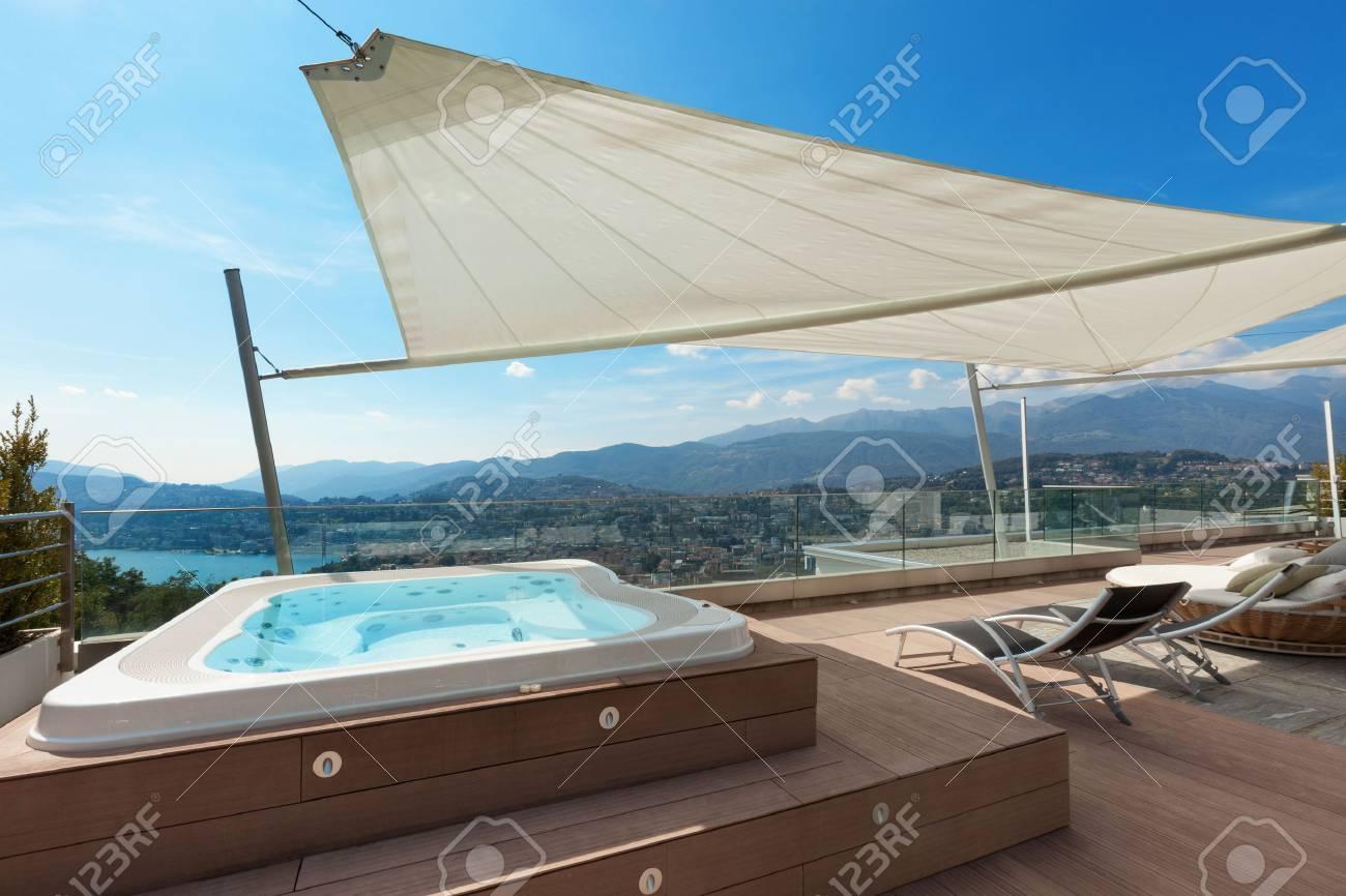 Hermosa Terraza De ático Con Jacuzzi