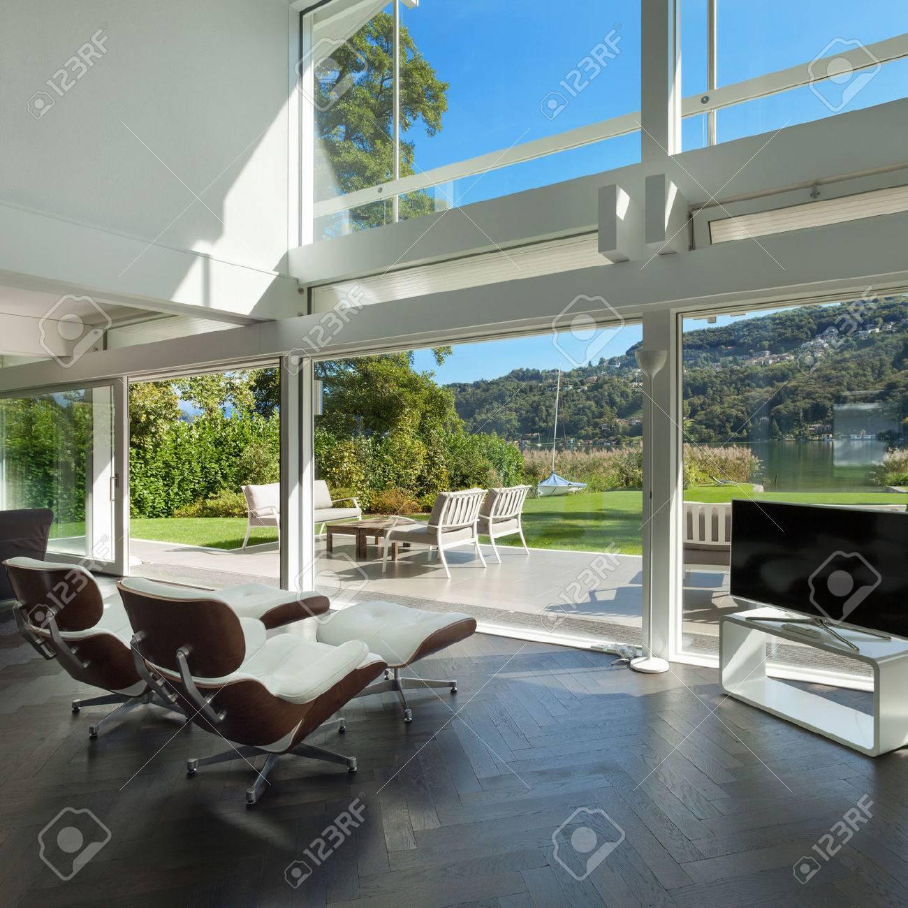 Architecture, espace ouvert d'une maison moderne, salon banque d ...