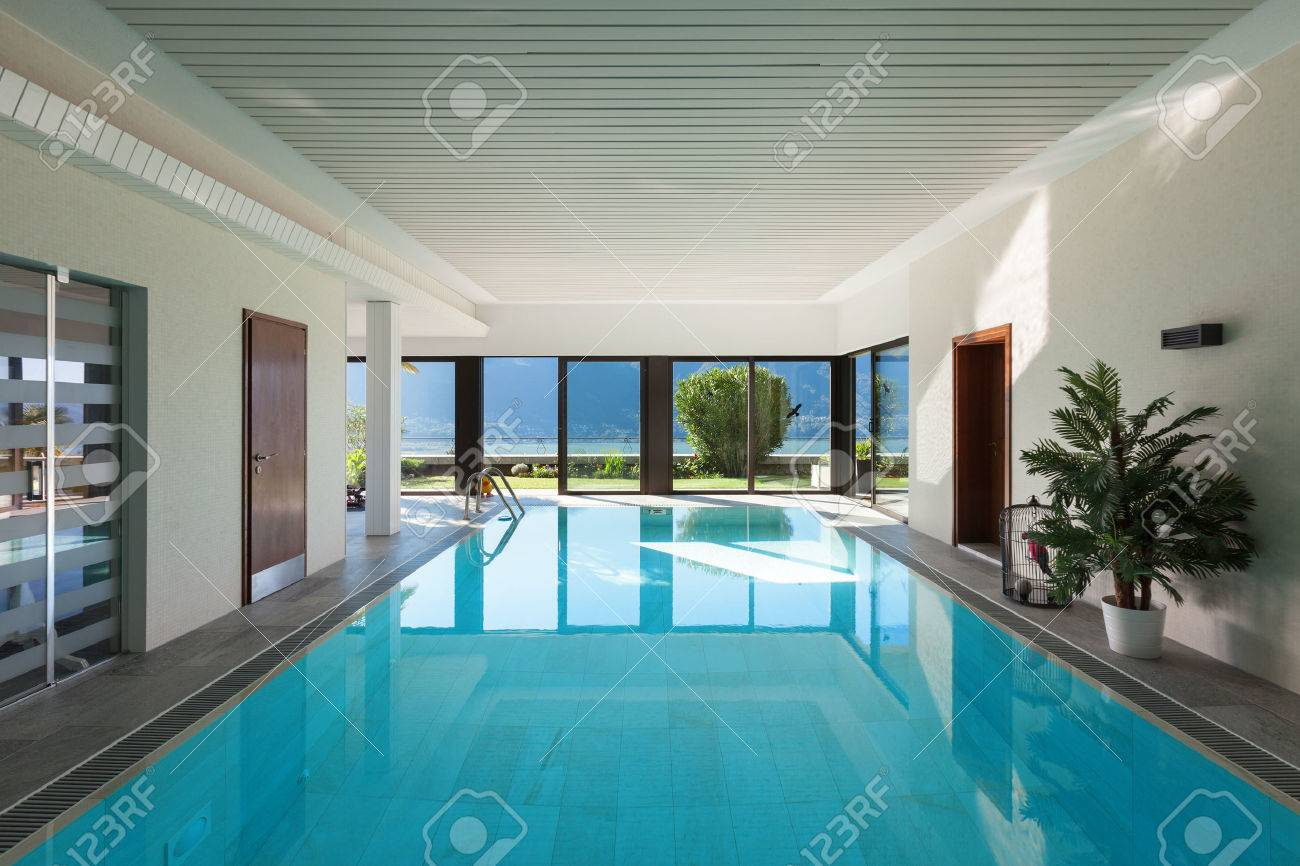 house with garden, Indoor swimming pool - 53297911