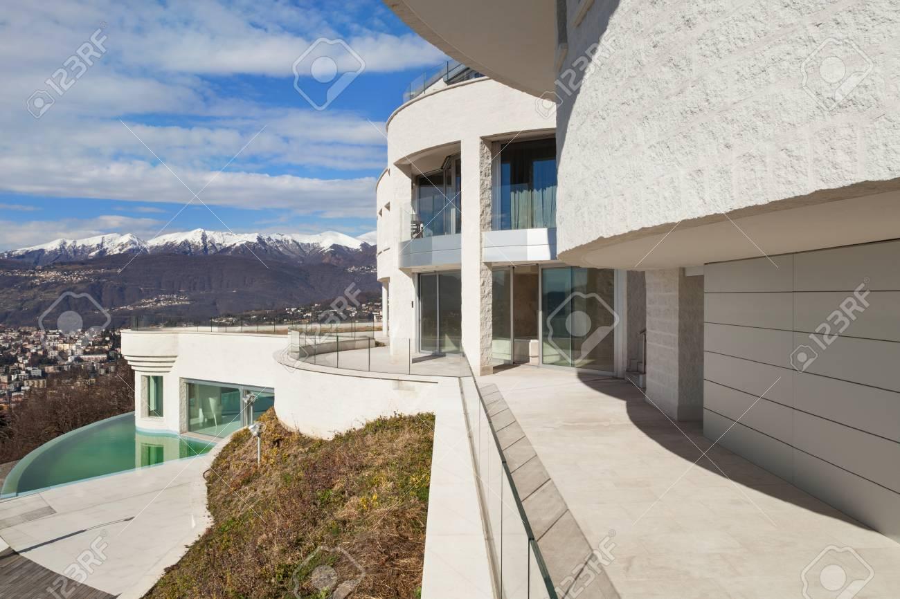 Zwembad Op Balkon : Nieuw appartement in estepona met balkon bij zwembad dehands be