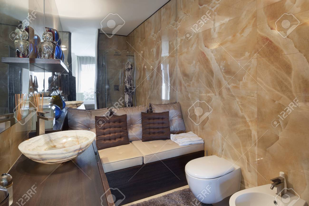 Anspruchsvoll Schönes Bad Galerie Von Inters Neuer Wohnung, Schönes Standard-bild - 56031223