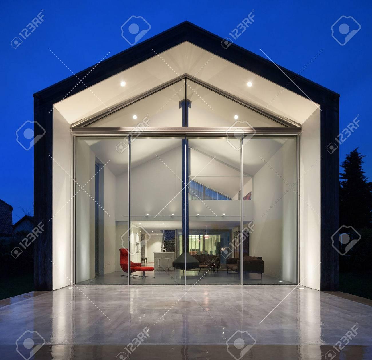 Belle Maison Moderne Scene De Nuit Banque D Images Et Photos Libres