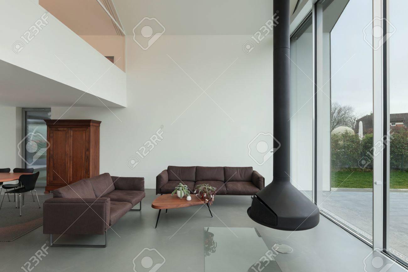Intérieur d\'une belle maison moderne, salon
