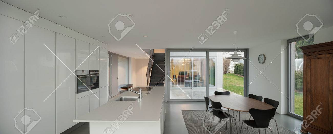 Archivio Fotografico Splendidi Interni Di Una Casa Moderna Cucina Bianca  With Casa Moderna Interno