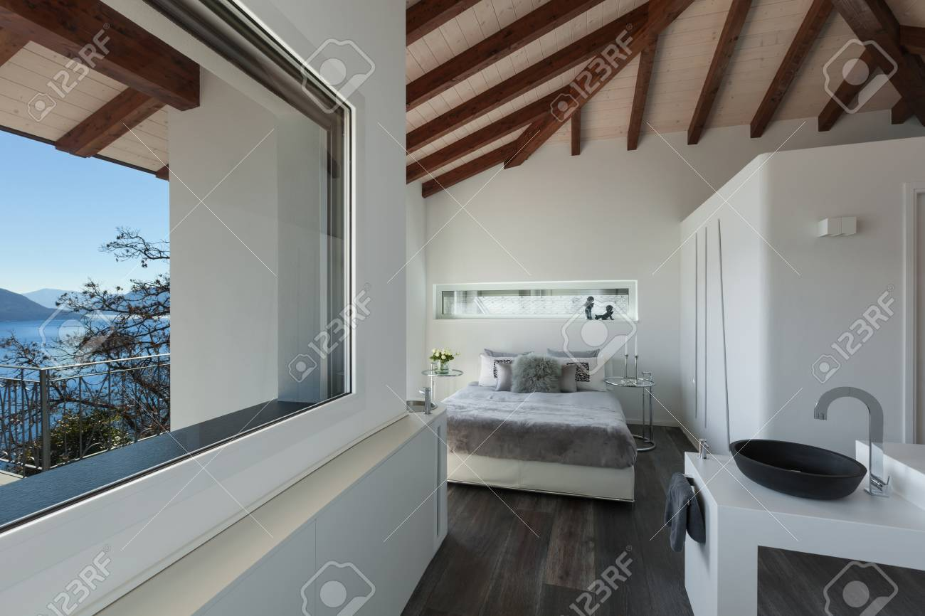 Interior De Un Loft, Un Dormitorio Con Cuarto De Baño Diseño Moderno ...