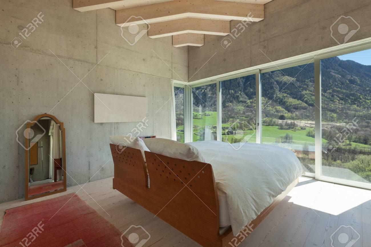 Intérieur D\'un Chalet Moderne Dans Le Ciment, Chambre à Coucher ...