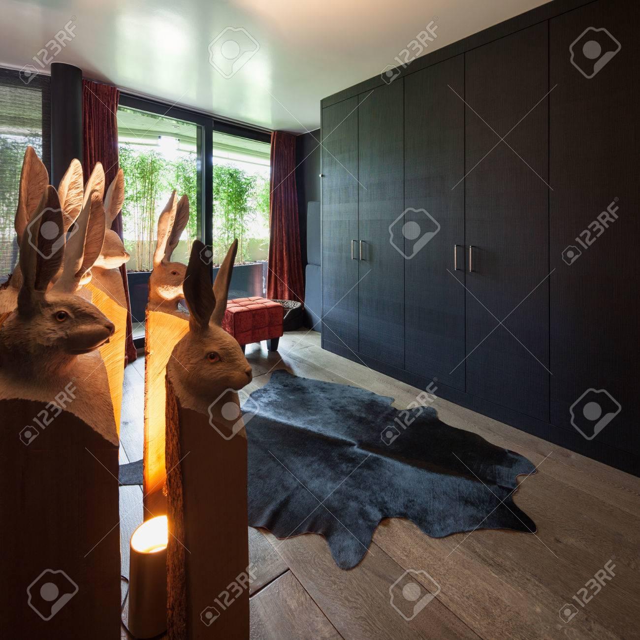 Ankleidezimmer Eines Luxus Haus Schwarze Mobel Lizenzfreie Fotos