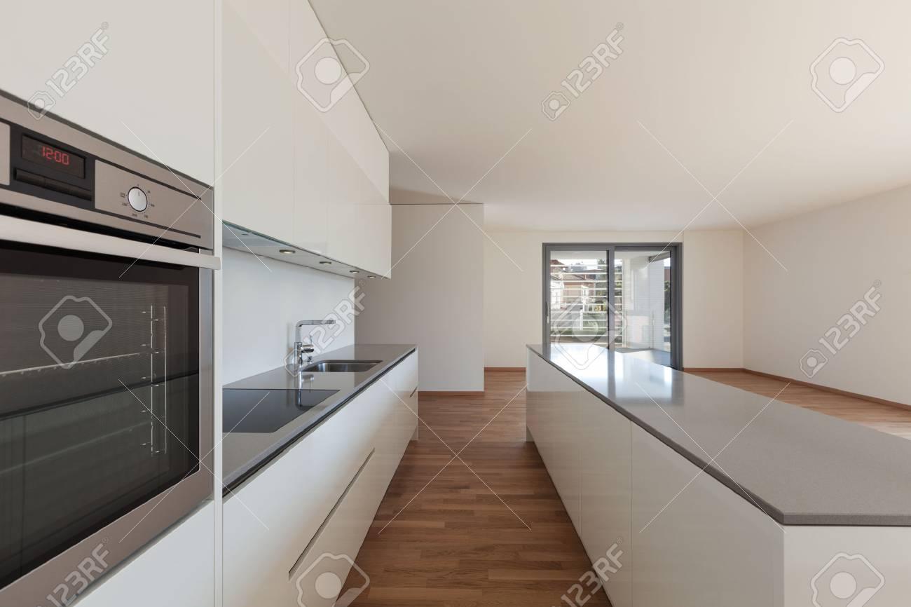 Interior Heimischen Kuche In Der Leeren Wohnung Parkettboden