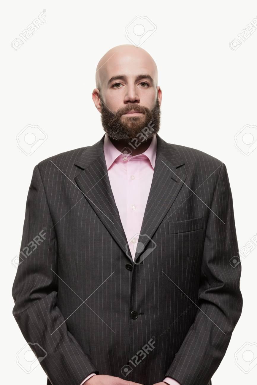 Junge Glatze Mann Mit Einem Bart Eine Stilvolle Jacke Lizenzfreie