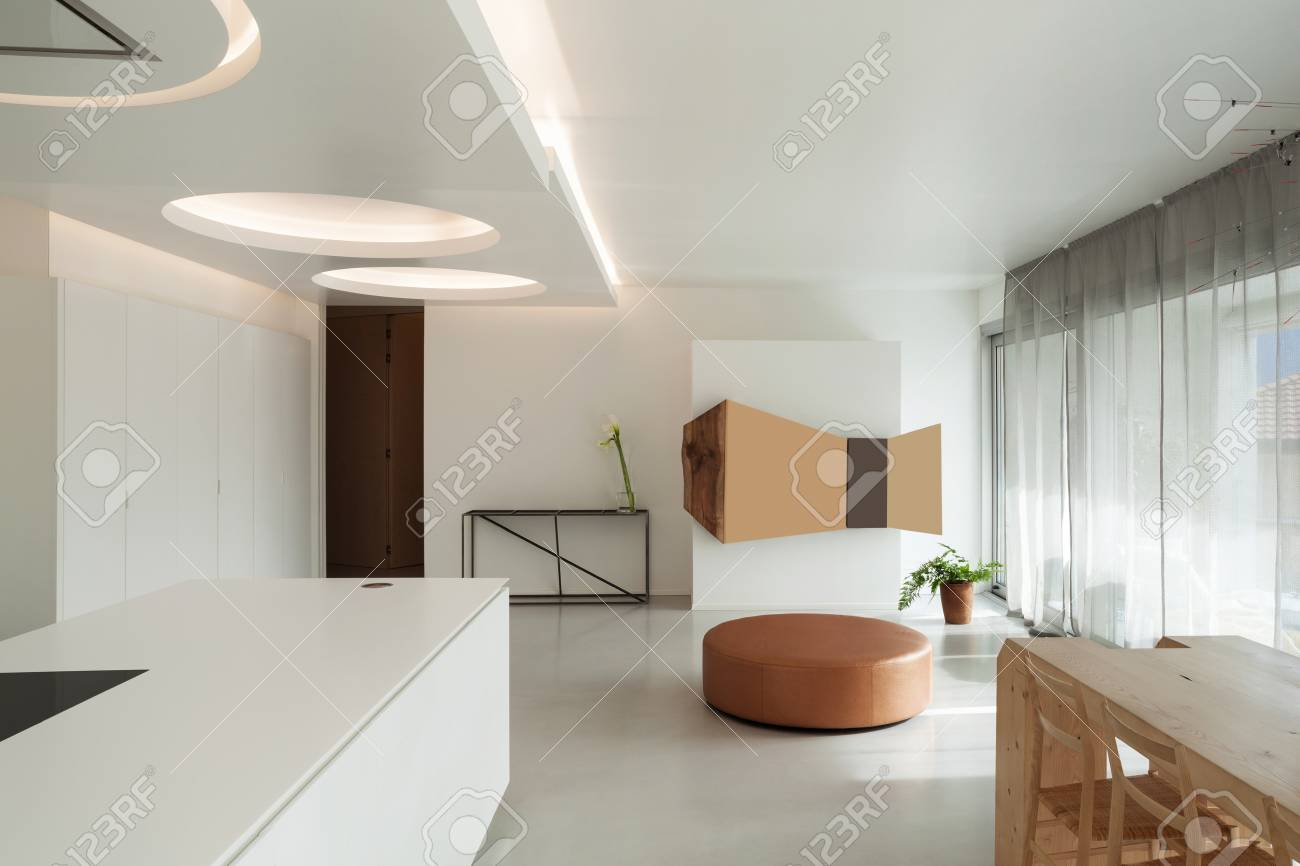 Apartamento De Lujo, Cocina Cómoda Con Comedor Y Muebles Modernos ...