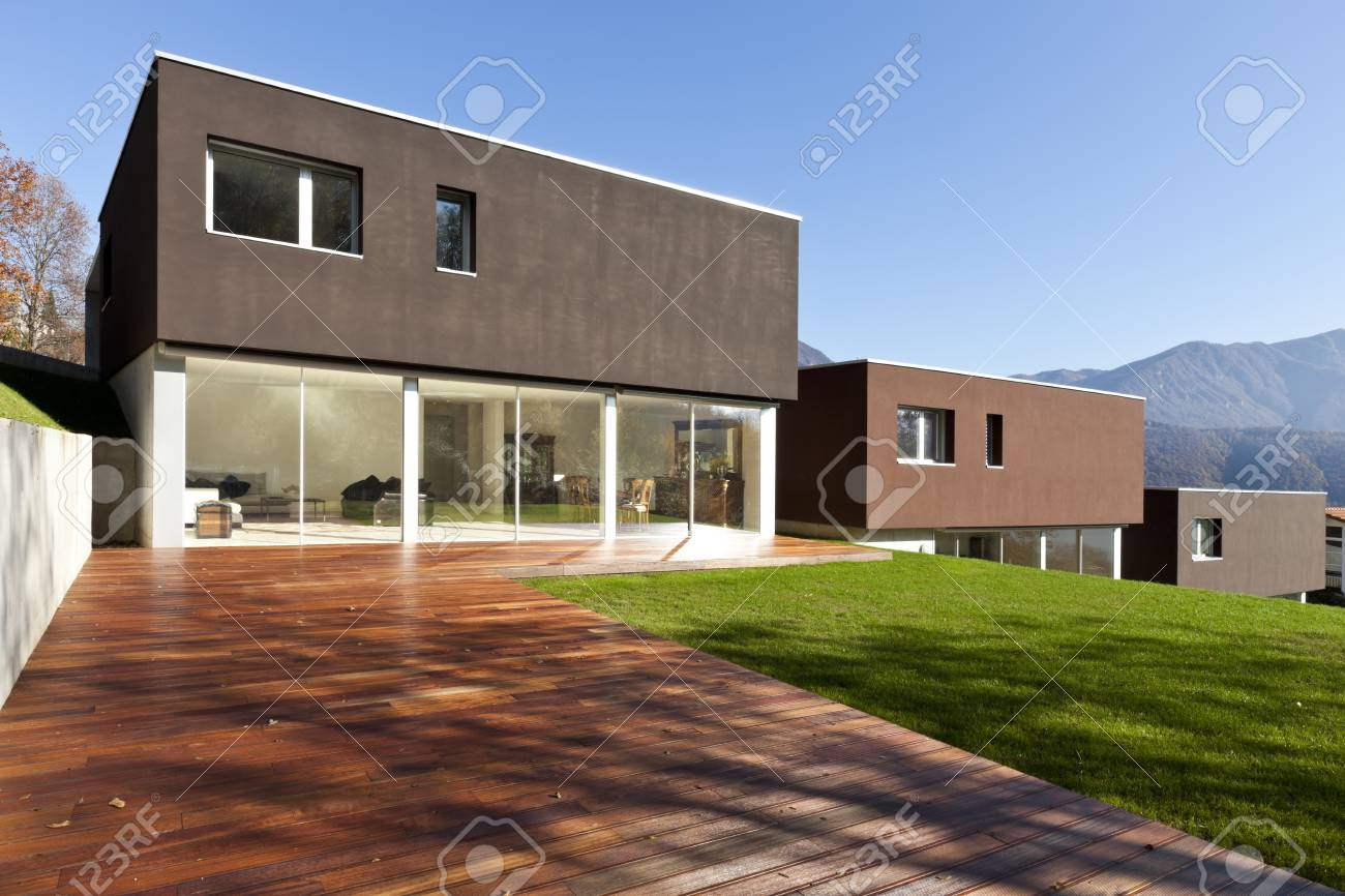 Schöne, Moderne Haus Mit Garten, Im Freien Standard Bild   84966660
