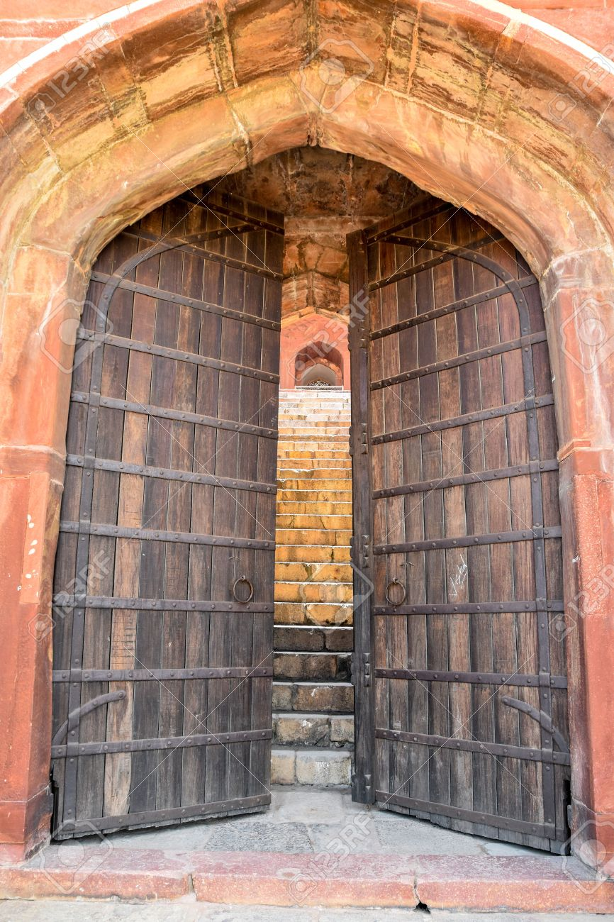 large old gate with wooden doors Stock Photo - 54571984 & Large Old Gate With Wooden Doors Stock Photo Picture And Royalty ... pezcame.com