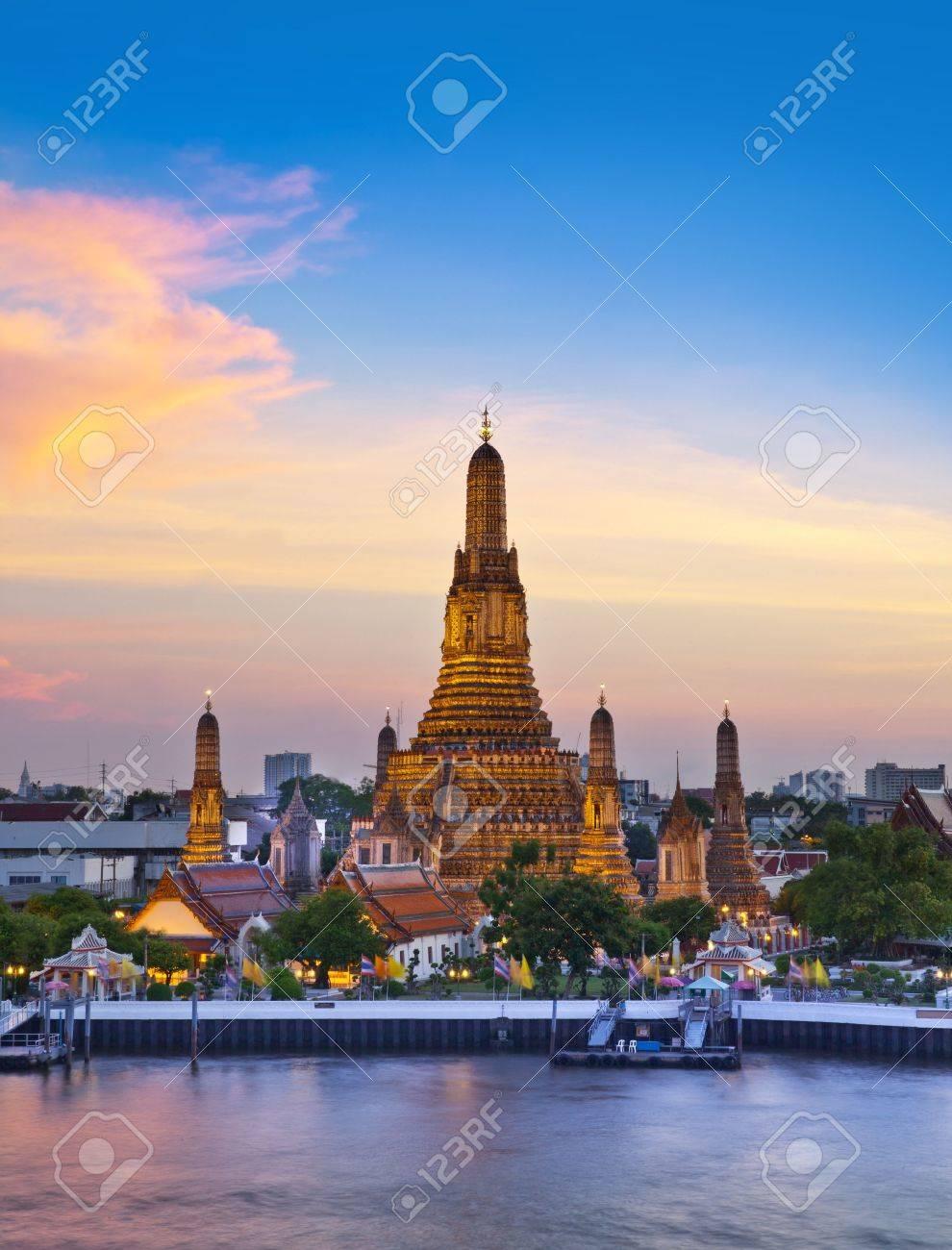 Wat Arun, Landmark and No. 1 tourist attractions in Thailand - 19420997