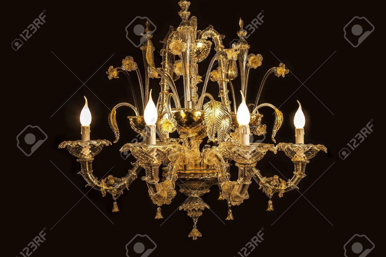 Kronleuchter Antik Gold ~ Historisch antik kunst schwarz hintergrund birne gebläse