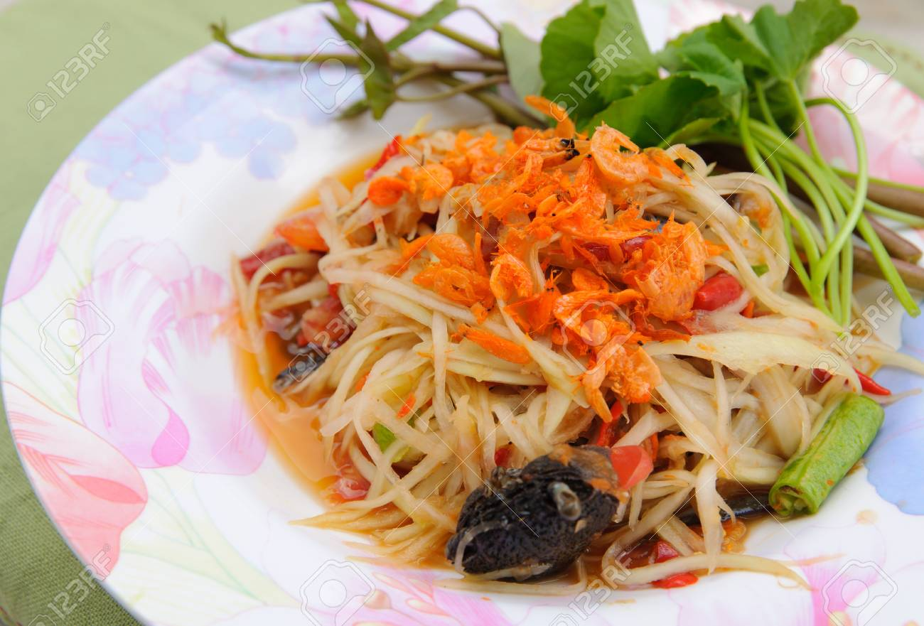 Green papaya salad thai cuisine spicy delicious Stock Photo - 15333172