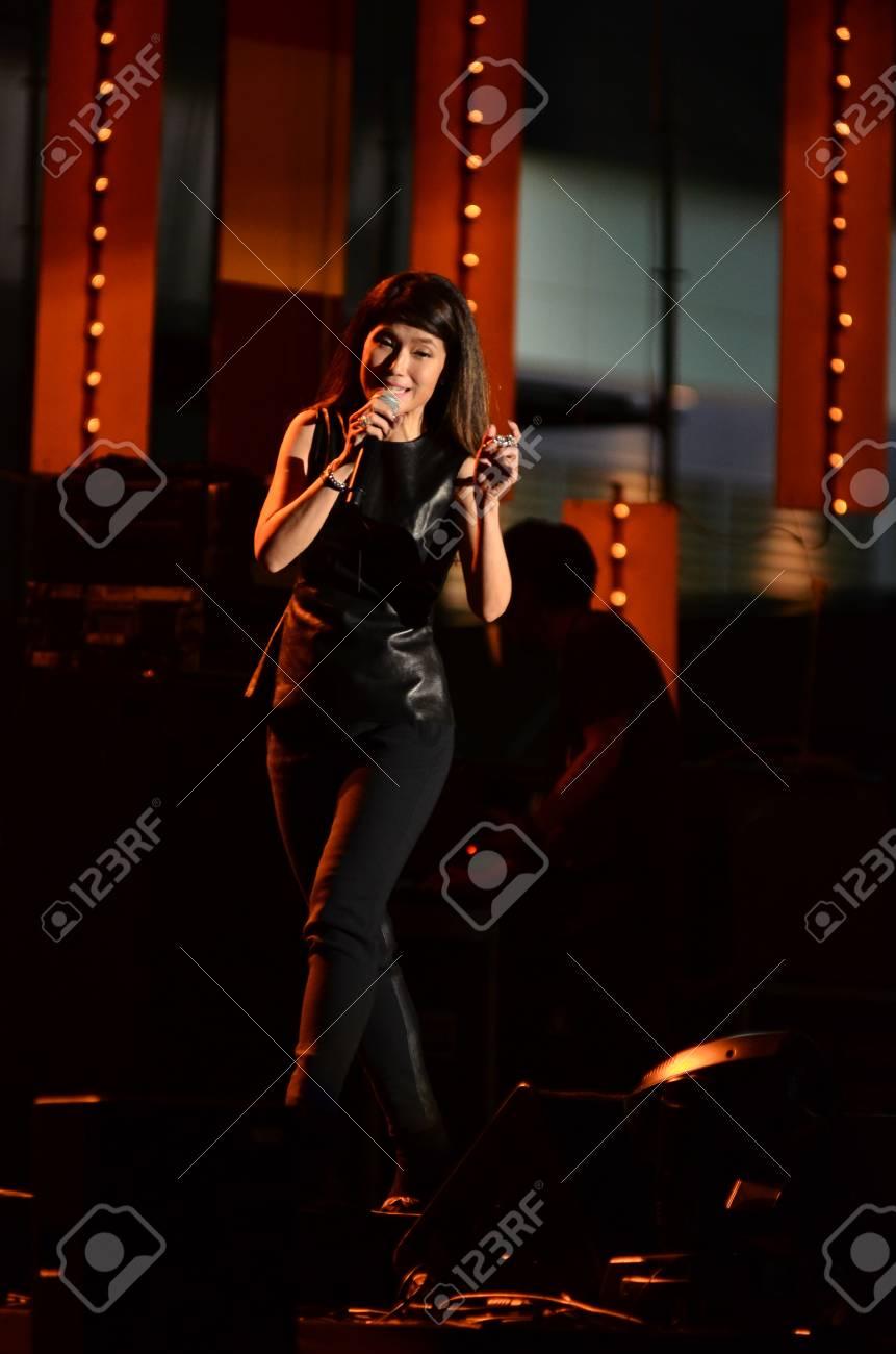 NONTABURI, THAILAND  - OCTOBER 4 : Nantida Kaewbuasai singer singing in Grammy Wonderland concert on 4 October 2012 at IMPACT Challenger, Nontaburi, Thailand Stock Photo - 15619688