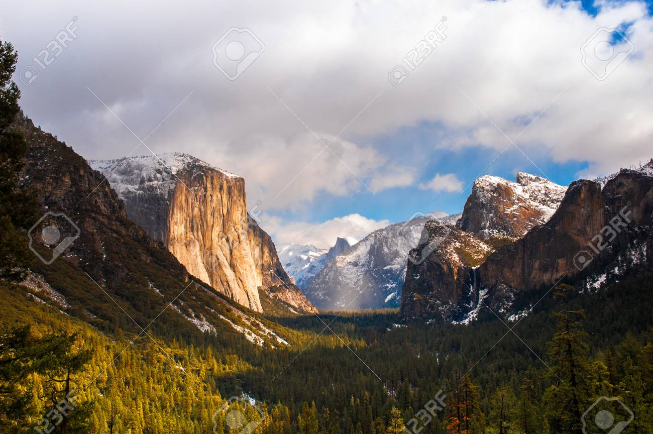 yosemite valley, el capitan, half dome from tunnel view on a.. stock