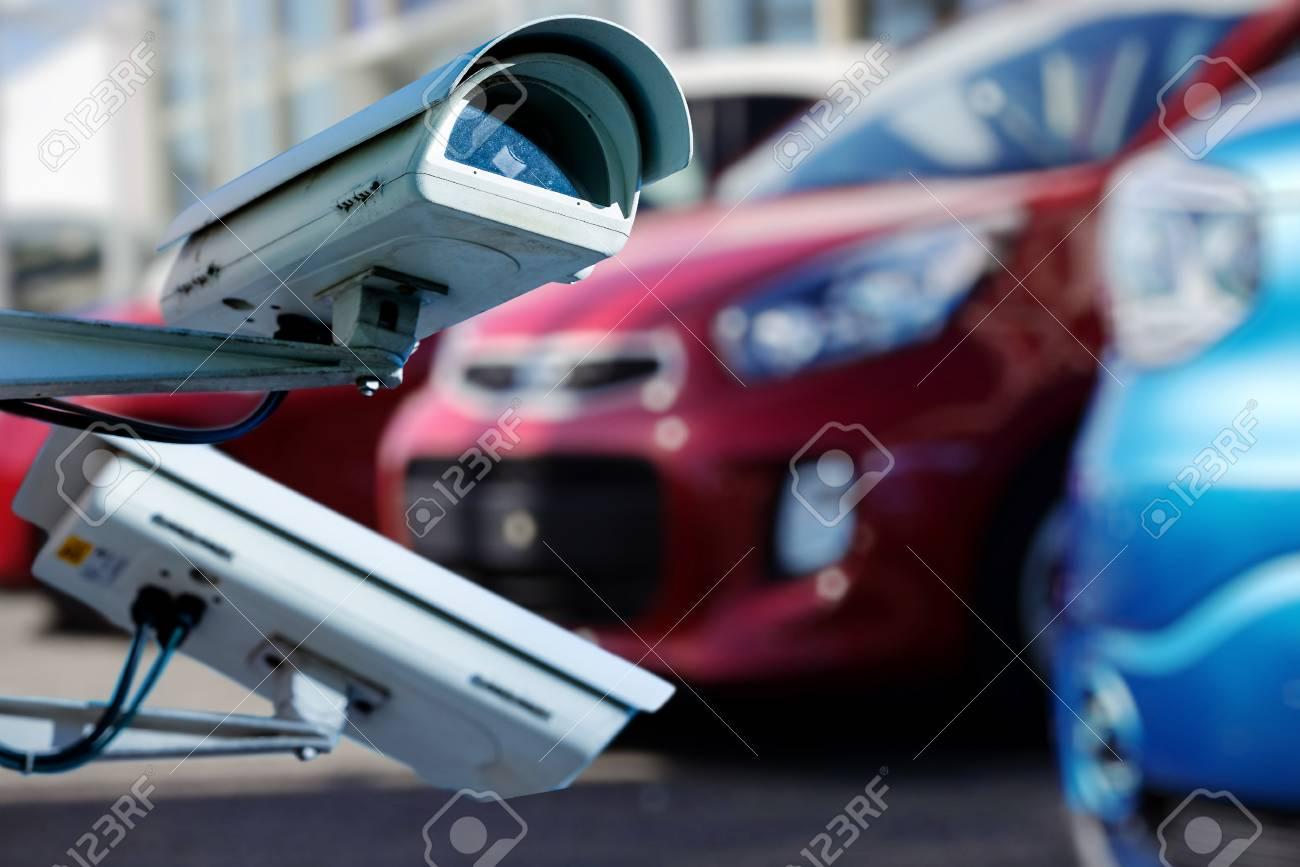 newest a18de 3cfb7 Banque d images - Caméra CCTV ou système de surveillance pour la  surveillance des concessionnaires automobiles