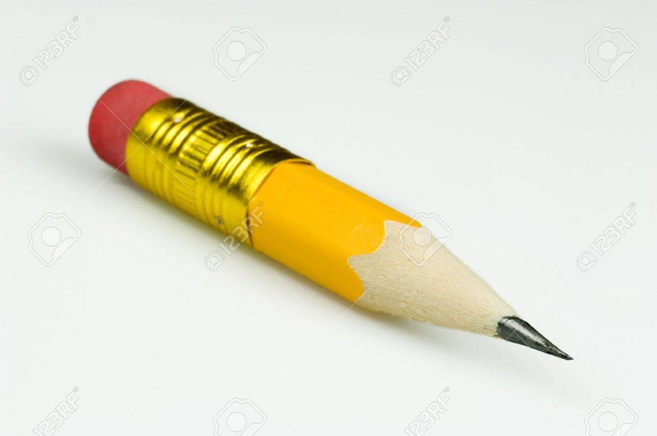7526571-l%C3%A1piz-de-color-amarillo-muy
