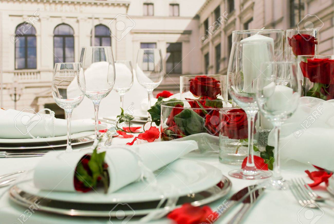 Covered banquet with red roses decoration Stock Photo - 7670425
