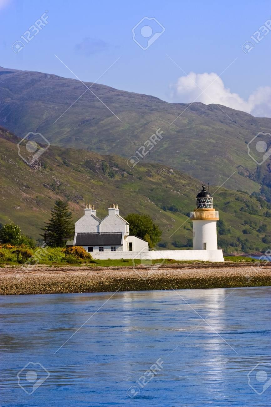 Lighthouse at a beautiful coastline Stock Photo - 10717427