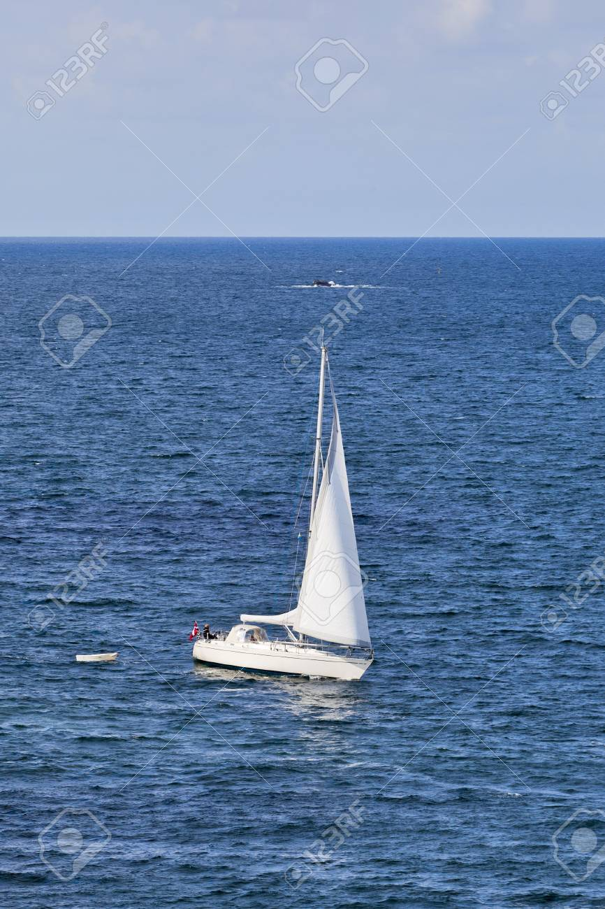 Sailboat sailing on the sea Stock Photo - 13801563