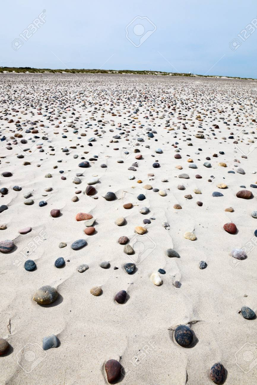 Sand beach with small stones Stock Photo - 14967148