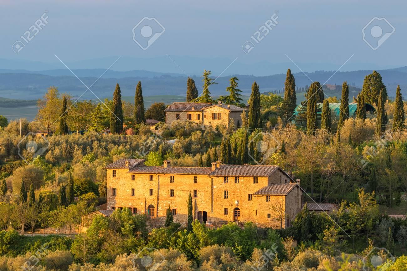 Grosses Haus In Der Toskana Lizenzfreie Fotos Bilder Und Stock