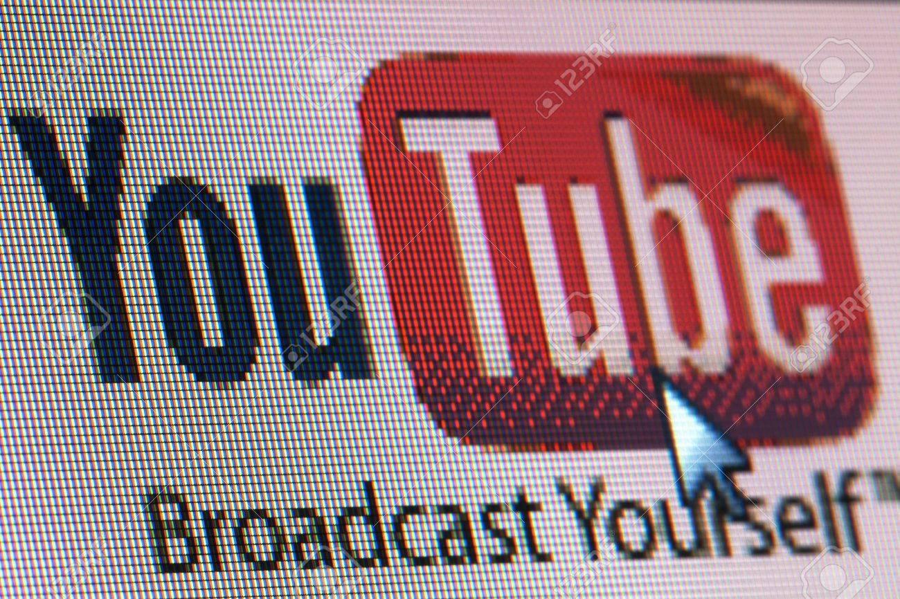 BRUXELLES - 13 MARS: YouTube co-fondateur Tchad Hurley est dans un mois du lancement d'une startup vidéo collaborative en ligne, il a dit au festival South by Southwest à 13 mars 2013 à Bruxelles Banque d'images - 18450899