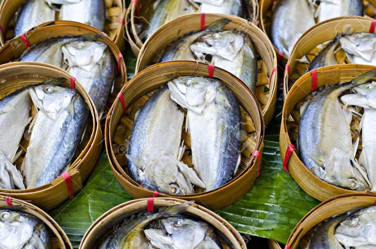 Mackerel fish in bamboo basket at market, Thailand Stock Photo - 12788306