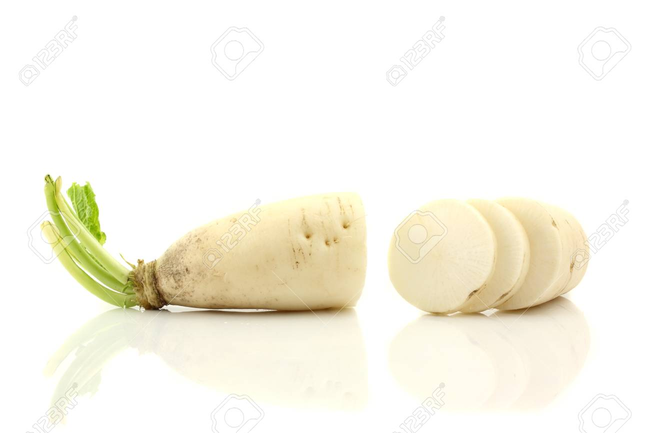 radish isolated in white background Stock Photo - 10278199
