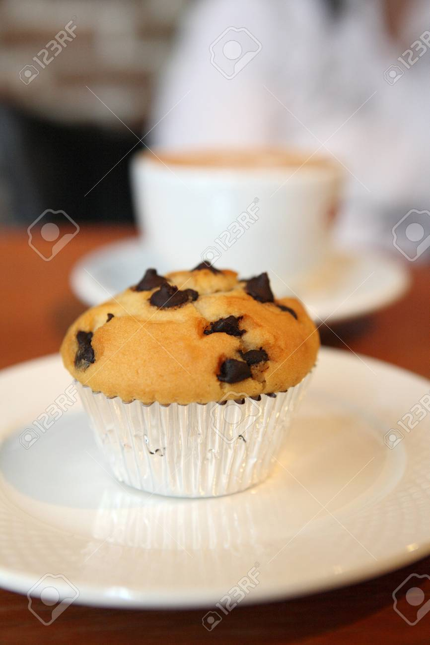 muffin on wood background Stock Photo - 12555299