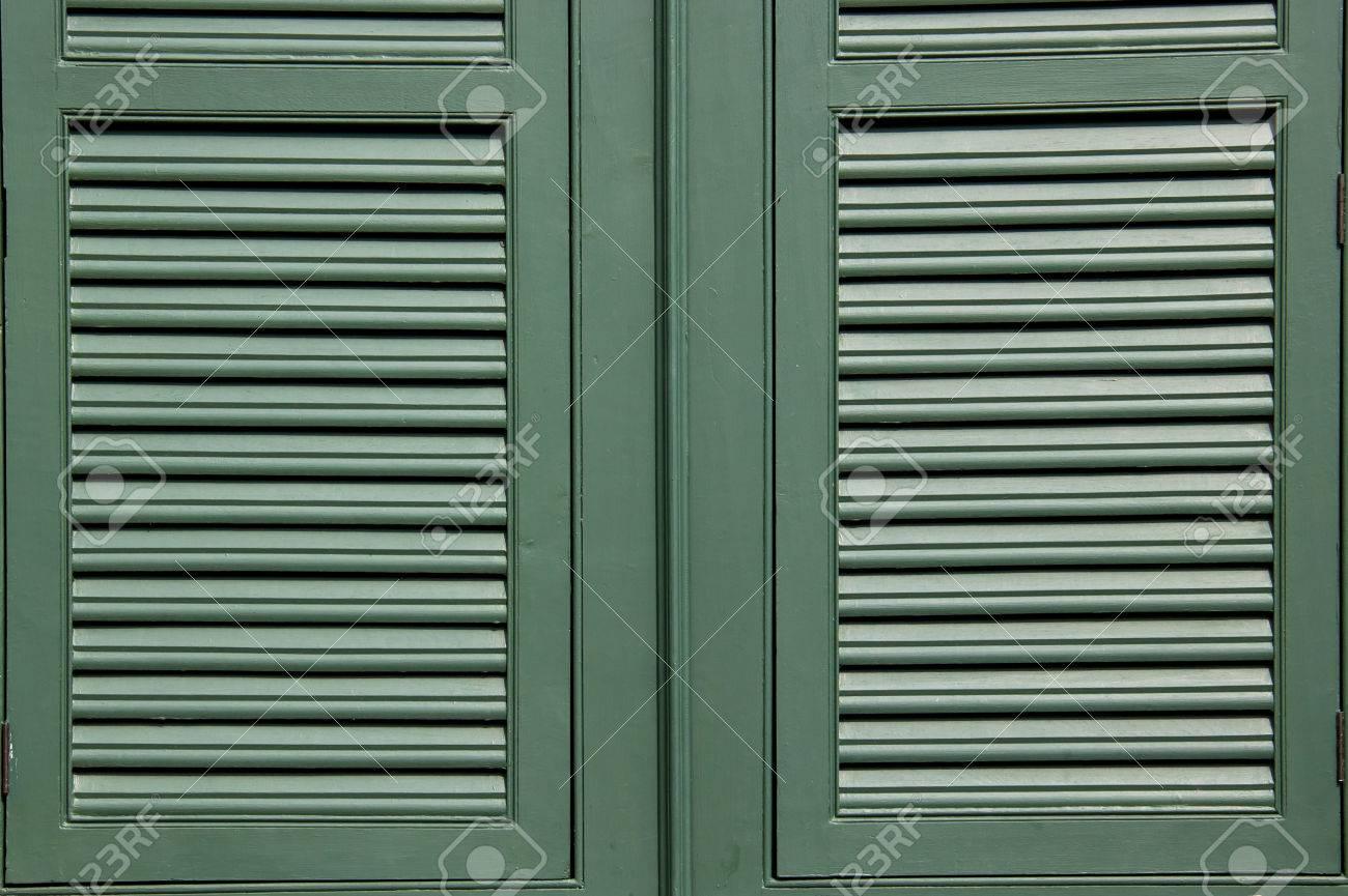 Grünes Holz Im Rahmenfenster Lizenzfreie Fotos, Bilder Und Stock ...